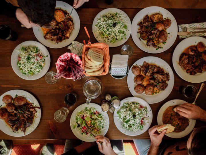 Intuïtief eten aan tafel met kinderen